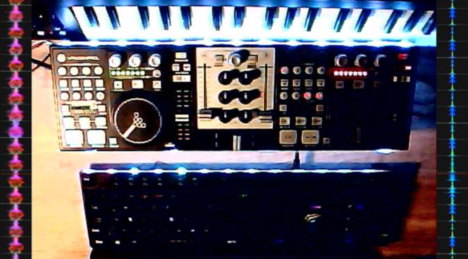 MIDI-Keyboard, DJ-Controller mit Partybeleuchtung und Tastatur; Screenshot meines Twitch-Streams